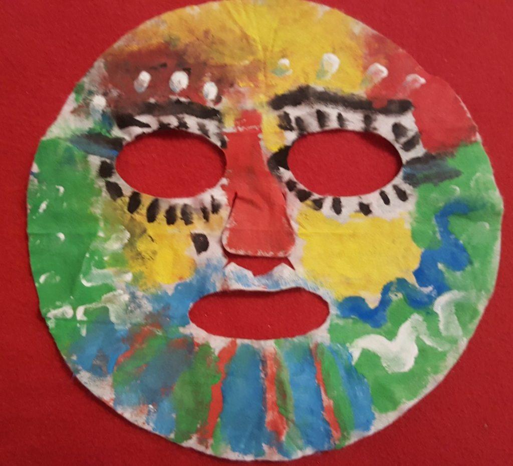 mască e față reinventată